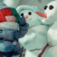 """SIA lanzó un video musical de navidad llamado """"Snowman"""""""
